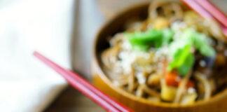 Jak się zdrowo odżywiać, gdy nie mamy czasu na gotowanie
